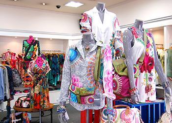 Roger S Jardin Plaza House Shopping Center