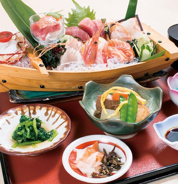 NEWS_600飲食_1028